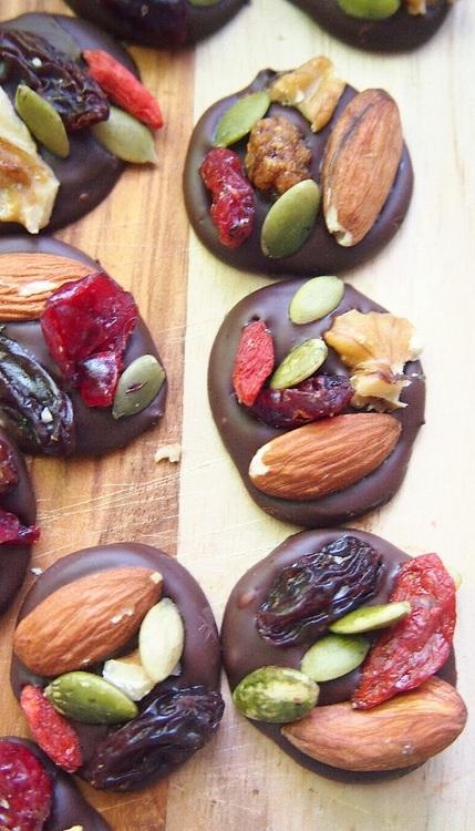 organic-dark-chocolate-trail-mix-energy-bites
