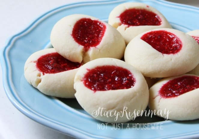 raspberry-kiss-cookies-notjustahousewife-net