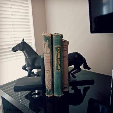 UrbanistaAtHome.com - Bookends